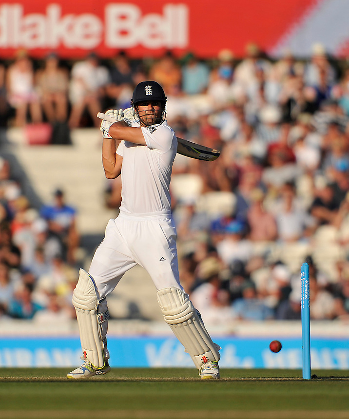England's Alastair Cook cutting <br /> <br /> Photographer Ashley Western/CameraSport<br /> <br /> International Cricket - Investec Ashes Test Series 2015 - Fifth Test - England v Australia - Day 3 - Saturday 22nd August 2015 - Kennington Oval - London<br /> <br /> &copy; CameraSport - 43 Linden Ave. Countesthorpe. Leicester. England. LE8 5PG - Tel: +44 (0) 116 277 4147 - admin@camerasport.com - www.camerasport.com