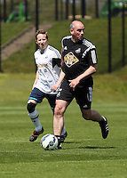 Pictured: Ian Mitchell (R) Thursday 21 May 2015<br />