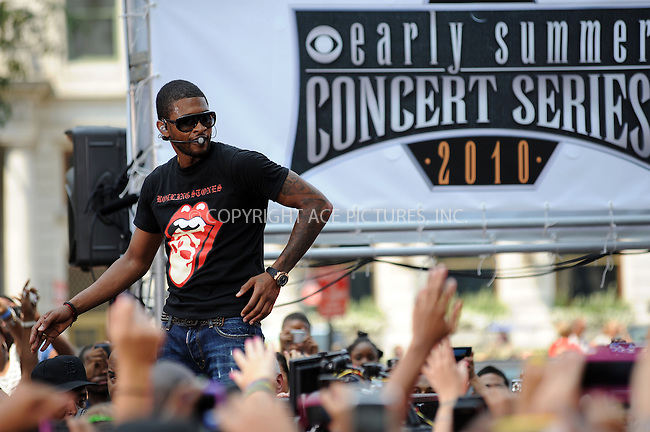 WWW.ACEPIXS.COM . . . . . ....August 20 2010, New York City....Singer Usher performed live for the Early show at the Early Show Plaza in midtown on August 20 2010....Please byline: KRISTIN CALLAHAN - ACEPIXS.COM.. . . . . . ..Ace Pictures, Inc:  ..(212) 243-8787 or (646) 679 0430..e-mail: picturedesk@acepixs.com..web: http://www.acepixs.com