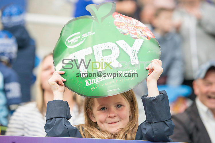 Picture by Allan McKenzie/SWpix.com - 20/05/2017 - Rugby League - Dacia Magic Weekend - St James' Park, Newcastle, England - The brief, Kingstone Press, fans, supporters, branding.