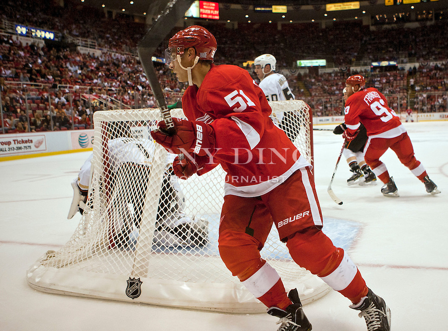 8 October 2010: Detroit Red Wings forward Valtteri Filppula (51) skates behind the goal in the third period of the Anaheim Ducks at Detroit Red Wings NHL hockey game, at Joe Louis Arena, in Detroit, MI. The Red Wings win 4-0...***** Editorial Use Only *****