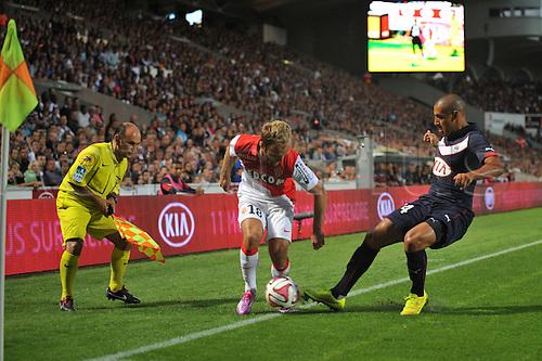 17.08.2014. Bordeaux, France. French League 1 football. Bordeaux versus Monaco.  VALERE GERMAIN beats Wahbi KHAZRI along the sideline