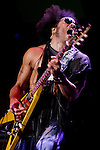 Lenny Kravitz.PNC Bank Arts Center.Holmdel, New Jersey..7/12/2002..MARK R. SULLIVAN/MARKRSULLIVAN.COM © 2002