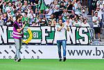Stockholm 2014-07-20 Fotboll Superettan Hammarby IF - &Ouml;sters IF :  <br /> Hammarbys Linus Hallenius v&auml;lkomnas till Hammarby innan matchen mot &Ouml;ster<br /> (Foto: Kenta J&ouml;nsson) Nyckelord:  Superettan Tele2 Arena Hammarby HIF Bajen &Ouml;ster &Ouml;IF supporter fans publik supporters jubel gl&auml;dje lycka glad happy