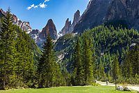 Italy, South Tyrol (Trentino - Alto Adige), near Sexten, district Moos: the picturesque Fischleintal (Val Fiscalina) at Drei Zinnen Nature Park (Parco Naturale Tre Cime), side valley of Sexten Valley (Valle di Sesto) -  valley end and Sexten Dolomites (Dolomiti di Sesto) La meridiana di Sesto with summit Zwoelferkofel (Cima Dodici) | Italien, Suedtirol, bei Sexten, Ortsteil Moos: das malerische Fischleintal im Naturpark Drei Zinnen - ein Nebental des Sextentals - Talschluss vor der Sextener Sonnenuhr mit dem Zwoelferkofel