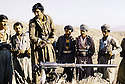 Irak 1985.Dans les zones libérées, région de Lolan, entrainement des peshmergas.Iraq 1985.In liberated areas, Lolan district, training of peshmergas