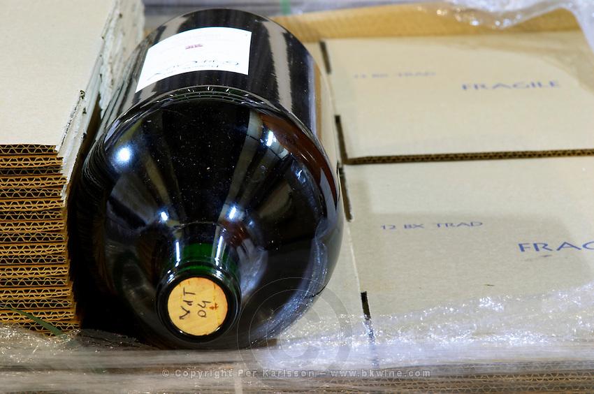 Cork marked with VdT Vin de Table 2004 04. Domaine des Grecaux in St Jean de Fos. Montpeyroux. Languedoc. Bottle cellar. France. Europe. Bottle.