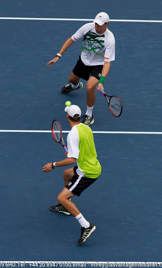 Bob Bryan & Mike Bryan (USA) (1) against Rohan Bopanna (IND) & Asiam Ui-Haq-Qureshi (PAK) (16) in the finals of the men's doubles. Bob & Mike Bryan beat Rohan Bopanna & Asiam Ui-Haq-Qureshi 7-6 7-6..International Tennis - US Open - Day 12 - 10 Sep 2010 - USTA Billie Jean King National Tennis Center - ..© AMN Images, Level 1, Barry House, 20-22 Worple Road, London, UK, SW19 6HU.Tel - +44 20 8947 0100.email - mfrey@advantagemedianet.com.web - http://amnimages.photoshelter.com/.web - www.advantagemedianet.com