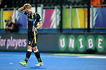 ENG - London, England, August 27: Mathias MUELLER #2 of Germany reacts to failing to score during shoot-out against George PINNER #1 of England at the men semi-final match between Germany (black) and England (white) on August 27, 2015 at Lee Valley Hockey and Tennis Centre, Queen Elizabeth Olympic Park in London, England. Final score 2-2 (3-2 SO). (Photo by Dirk Markgraf / www.265-images.com) *** Local caption *** Mathias MUELLER #2 of Germany