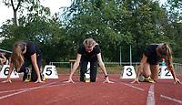 Sarah Holbach, Meret Joeris und Leonie Weindorf (alle USC Mainz) beim Start zum 100m Lauf - Moerfelden-Walldorf 11.07.2020: Sportfest der LG Moerfelden-Walldorf