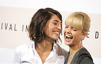 "Caterina Murino e Mena Suvari during the photocall of the film ""The Garden of Eden"" at the third edition of Festa Internazionale del Cinema di Roma, Auditorium Parco della Musica, October 26, 2008. <br /> Caterina Murino e Mena Suvari durante il photocall del film ""The Garden of Eden"" alla terza edizione della Festa Internazionale del Cinema di Roma. <br /> Roma 26/10/2008 Auditorium Parco della Musica. <br /> Photo Samantha Zucchi Insidefoto"
