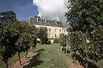 Hugo Tian, a passionate wine financier, bought with a few friends in the summer of 2017, Château Fauchey, a small property near Cadillac, whose production will be destined for the Asian market. He personally supervises his first harvest.