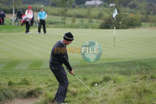 Mikko Illonen chips to the 17th hole in Fridays Fourball's at the Seve Trophy on the 28th of September 2007 at the The Heritage Golf & Spa Resort, Killenard, Co Laois, Ireland. (Photo by Manus O'Reilly/NEWSFILE)