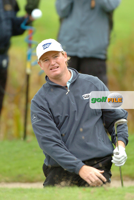 THOMASTOWN, IRELAND. Ernie Els playing his third shot on the 18 at the American Express Championship at the Mount Juliet Golf Club on October 3rd, 2004 in Thomastown, Ireland ..Photo AFP/NEWSFILE/FRAN CAFFREY..(Photo credit should read FRAN CAFFREY/NEWSFILE/AFP)...This Picture has been sent you under the condtions enclosed by:.Newsfile Ltd..the Studio,.Millmount Abbey,.Drogheda,.Co Meath..Ireland..Tel: +353(0)41-9871240.Fax: +353(0)41-9871260.GSM: +353(0)86-2500958.email: pictures@newsfile.ie.www.newsfile.ie.FTP: 193.120.102.198..This picture is from Fran Caffrey@newsfile.ie
