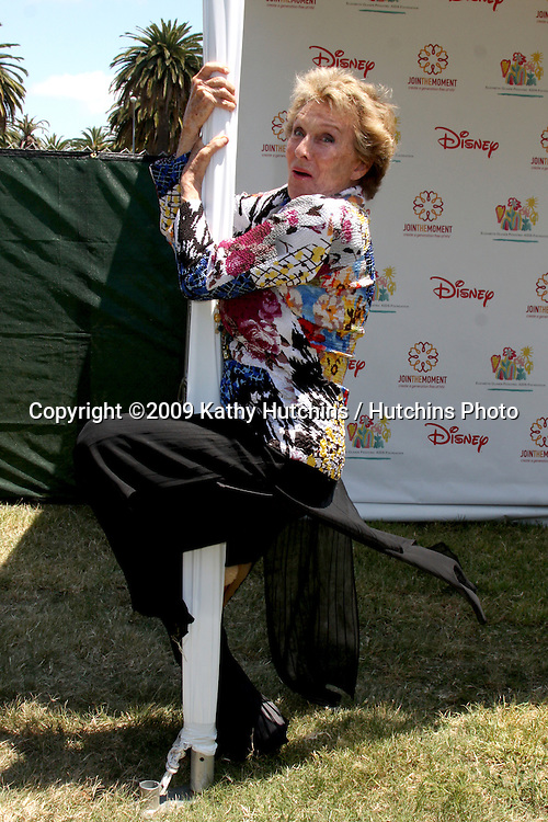 """Cloris Leachman arriving at """"A Time For Heroes Celebrity Carnival"""" benefiting the Elizabeth Glaser Pediatrics AIDS Foundation at the Wadsworth Theater Grounds in Westwood , CA on June 7, 2009 .©2009 Kathy Hutchins / Hutchins Photo.."""