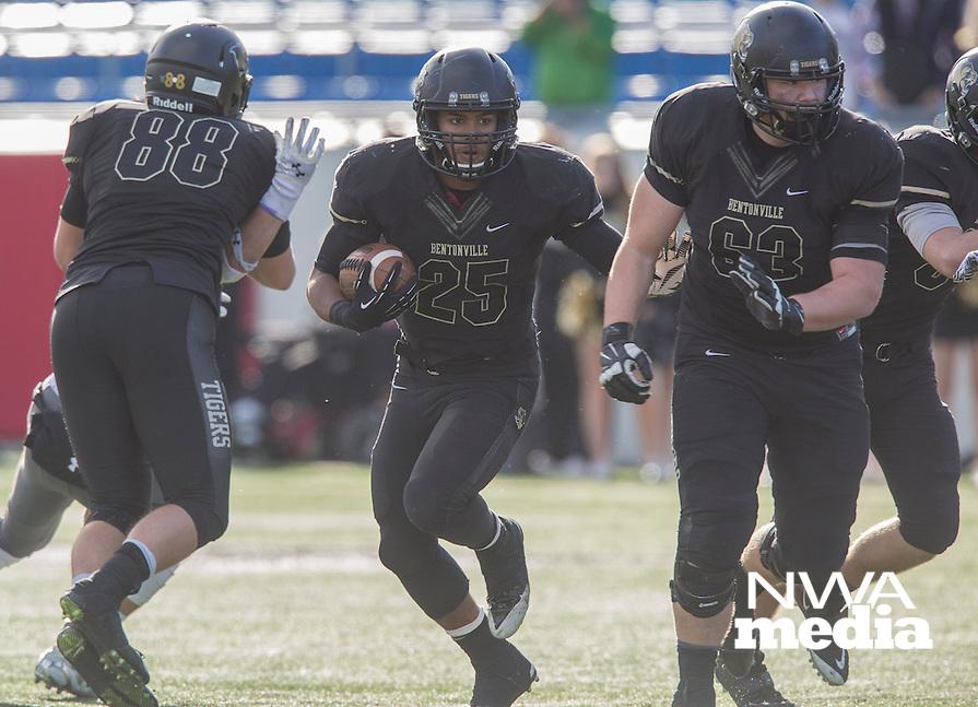 STAFF PHOTO JASON IVESTER --12/06/2014--<br /> Bentonville HS vs Fayetteville HS