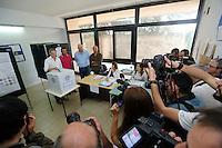 Elezioni 2016 bollataggio per elezione del sindaco di Napoli<br /> Gianni Lettieri al voto