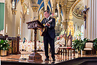 August 6, 2017; Singer Vince Gill performs in the Basilica of the Sacred Heart following the memorial Mass for former football coach Ara Parseghian. (Photo by Matt Cashore/University of Notre Dame)