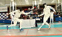BOGOTA – COLOMBIA – 26 – 05 – 2017: Jaime Rodriguez (Izq.) de Colombia, combate con Reyner Henriquez (Der.) de Cuba, durante Varones Mayores Epee del Gran Prix de Espada Bogota 2017, que se realiza en el Centro de Alto Rendimiento en Altura, del 26 al 28 de mayo del presente año en la ciudad de Bogota.  / Jaime Rodriguez (L) from Colombia, fights with Reyner Henriquez (R) from Cuba, during Senior Men´s Epee of the Grand Prix of Espada Bogota 2017, that takes place in the Center of High Performance in Height, from the 26 to the 28 of May of the present year in The city of Bogota.  / Photo: VizzorImage / Luis Ramirez / Staff.