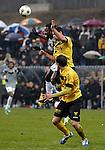 Nederland, Venlo, 9 december  2012.Eredivisie.Seizoen 2012/2013.VVV-VItesse 3-1.Wilfried Bony van Vitesse in duel om de bal met Guus Joppen van VVV Venlo