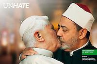 """BEN01 ROMA (ITALIA) 16/11/2011.- Imagen facilitada por el servicio italiano de Correos (Ufficio Stampa) de una de las imágenes de la campaña publicitaria de la firma de moda Benetton, llamada """"Unhate"""", que será presentada en París hoy, miércoles, 16 de noviembre de 2011. En la imagen aparecen el Papa Benedicto XVI besándose con el imán de la mezquita Al-Azhar, Ahmed Mohamed el-Tayeb. EFE/Ufficio Stampa SOLO USO EDITORIAL - PROHIBIDA SU VENTA.."""
