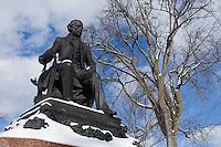 Amérique/Amérique du Nord/Canada/Québec/ Québec:  Statue de Francois-Xavier Garneau Historien prés de la porte Saint-Louis