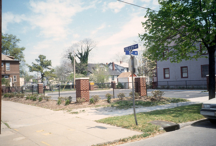 1996 April 23..Conservation.Park Place..CAPTION...NEG#.NRHA#..