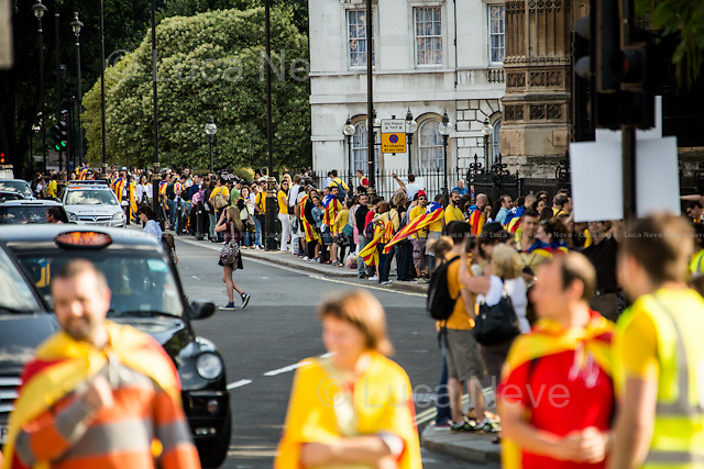 London, 31/08/2013. Today, Catalan people based in London formed a human chain, the &quot;Via Catalana&quot;, outside the Houses of Parliament. These Catalans form part of a strong and growing movement for complete self-determination, and for Catalonia to become a member state of the European Union. The &quot;Via Catalana&quot; has been organised by Catalan diaspora in over 40 locations all...<br /> <br /> For more pictures on this event click here: &lt;a href= &quot; http://bit.ly/1e459OD&quot;&gt; http://bit.ly/1e459OD&lt;/a&gt;