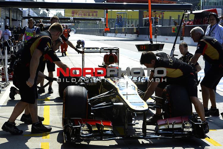 05.-08.09.2011, Autodromo Nationale, Monza, ITA, F1, Grosser Preis von Italien, Monza, im Bild  Kimi Raikkonen (FIN), Lotus Renault F1 Team <br />  Foto &copy; nph / Mathis