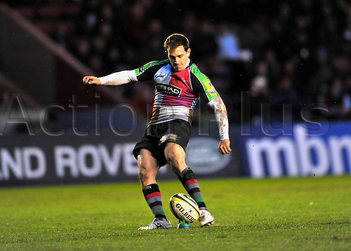 14.11.2010 Rugby Union LV=Cup from Twickenham Stoop. Harlequins vs Newcastle Falcons. Ollie Lindsay-Hague of Harlequins kicks a conversion.
