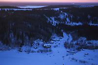 T Osmar Arriving in Anvik @ Sunrise 99 Iditarod AK