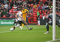 Preston North End's Callum Robinson gets a shot on goal<br /> <br /> Photographer Mick Walker/CameraSport<br /> <br /> The EFL Sky Bet Championship - Sheffield United v Preston North End - Saturday 22 September 2018 - Bramall Lane - Sheffield<br /> <br /> World Copyright &copy; 2018 CameraSport. All rights reserved. 43 Linden Ave. Countesthorpe. Leicester. England. LE8 5PG - Tel: +44 (0) 116 277 4147 - admin@camerasport.com - www.camerasport.com