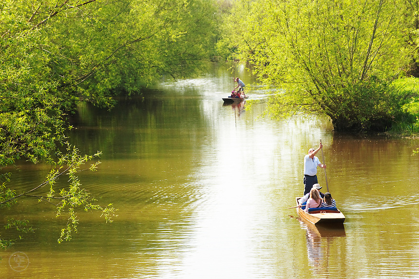 Punters on the River Cherwell on a fine spring day, just upstream of Oxford University.