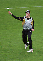 NZ's Martin Guptill fields during 2nd Twenty20 cricket match match between New Zealand Black Caps and West Indies at Westpac Stadium, Wellington, New Zealand on Friday, 27 February 2009. Photo: Dave Lintott / lintottphoto.co.nz