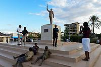 TANZANIA Dodoma , first president of independent Tanzania Julius Nyerere memorial / TANSANIA Dodoma, Platz mit Denkmal fuer Julius Nyerere, den ersten Praesidenten Tansanias