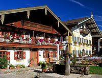Deutschland, Bayern, Oberbayern, Chiemgau: Toerwang - Gemeinde Samerberg - Dorfplatz | Germany, Bavaria, Upper Bavaria, Chiemgau: Toerwang/Samerberg - Village square