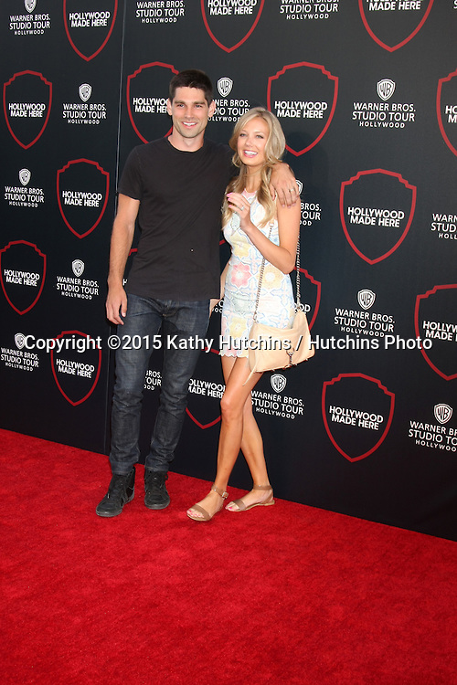 LOS ANGELES - JUL 14:  Justin Gaston, Melissa Ordway at the Warner Bros. Studio Tour Hollywood Expansion Official Unveiling, Stage 48: Script To Screen at the Warner Brothers Studio on July 14, 2015 in Burbank, CA