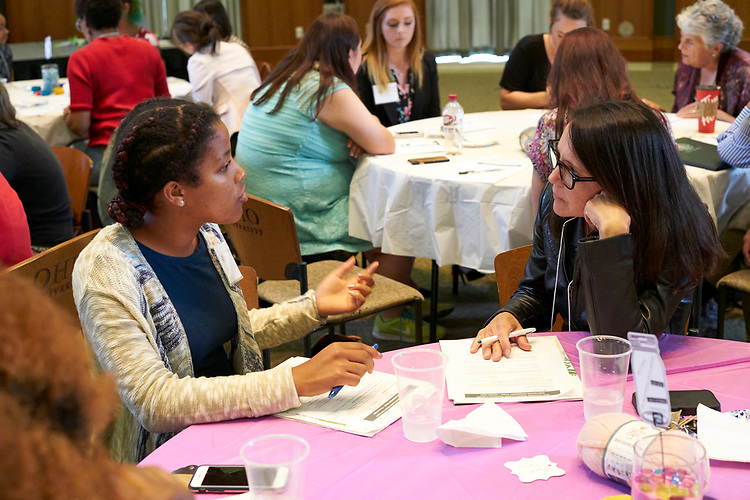 Mentors and mentees complete a get to know you activity as part of the meet and greet. Womens, mentoring, program, meet, and, greet, event, walter, rotunda