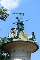 Litfa&szlig;s&auml;ule im Stadtpark, Wien, &Ouml;sterreich, UNESCO-Weltkulturerbe<br /> Lifa&szlig; column in the Stadtpark, Vienna, Austria, world heritage