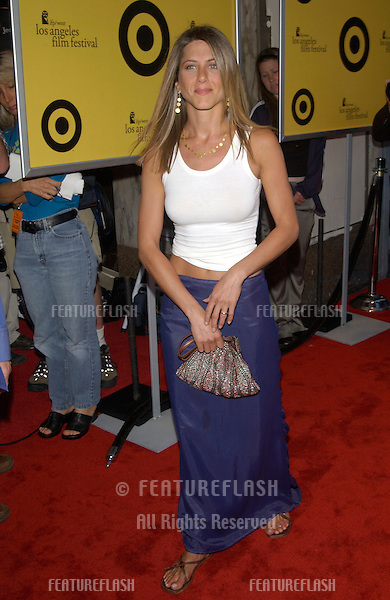 Actress JENNIFER ANISTON at the premiere of her new movie The Good Girl, the closing night movie of the 2002 IFP/West-Los Angeles Film Festival..29JUN2002.  © Paul Smith / Featureflash