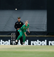 3rd November 2019; Western Australia Cricket Association Ground, Perth, Western Australia, Australia; Womens Big Bash League Cricket, Sydney Sixers verus Melbourne Stars; Kristen Beams of the Melbourne Stars bowls during the Sixers innings - Editorial Use