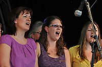 The Wallingford Singers. Wallingford Bunkfest 2013. Photo © Rob Bowker 2013