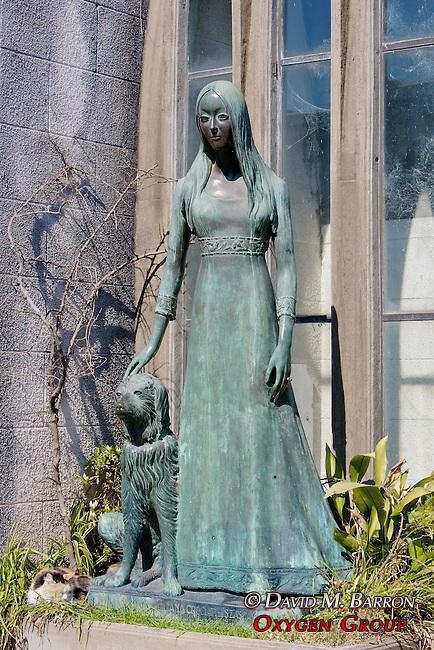 Woman & Dog Statue, La Recoleta Cemetery