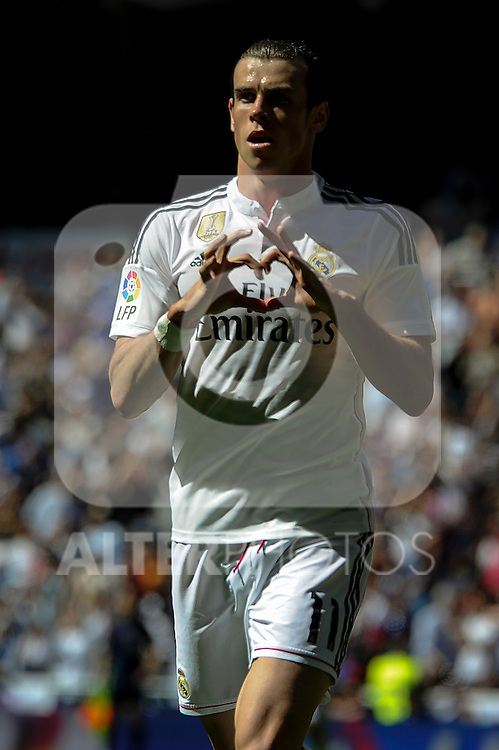Real Madrid´s Gareth Bale celebrates a goal during 2014-15 La Liga match between Real Madrid and Granada at Santiago Bernabeu stadium in Madrid, Spain. April 05, 2015. (ALTERPHOTOS/Luis Fernandez)