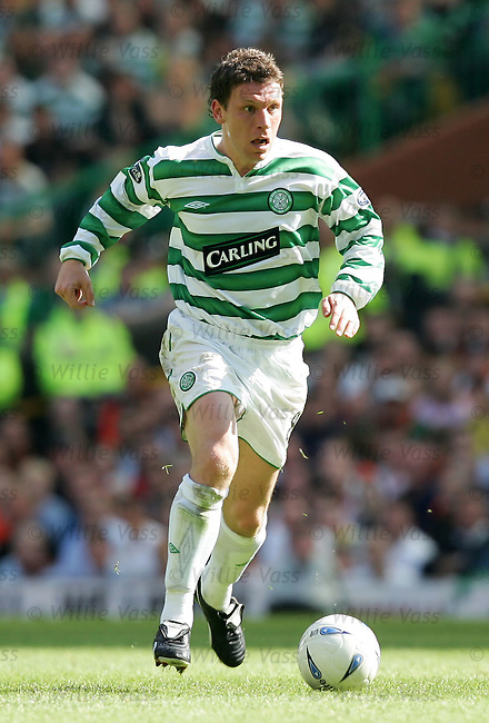 Alan Thompson, Celtic.stock season 2003-2004.pic willie vass