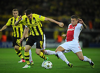 FUSSBALL   CHAMPIONS LEAGUE   SAISON 2012/2013   GRUPPENPHASE   Borussia Dortmund - Ajax Amsterdam                            18.09.2012 Robert Lewandowski (li, Borussia Dortmund) gegen Toby Alderwwireld (re, Ajax)