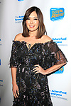 LOS ANGELES - DEC 5: Lindsay Price at The Actors Fund's Looking Ahead Awards at the Taglyan Complex on December 5, 2017 in Los Angeles, California