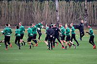 SOTOGRANDE  - Voetbal, Trainingskamp FC Groningen, seizoen 2017-2018, 09-01-2018,  warming up