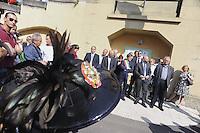 Roma, 4 Giugno 2011.Tor Sapienza..Il quartiere periferico di Tor Sapienza festeggia i 150 anni dell'Unità d'Italia con la Fanfara dei Bersaglieri e la visita del Sindaco Gianni Alemanno nella scuola Geoacchino Gesmundo