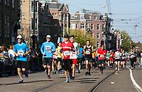 Nederland - Amsterdam - 2017 .  De Marathon van Amsterdam. Een paar kilometer voor de finish.   Foto Berlinda van Dam / Hollandse Hoogte
